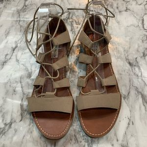 Steve Madden Lace Up Sandals Cream Tan size 9.5